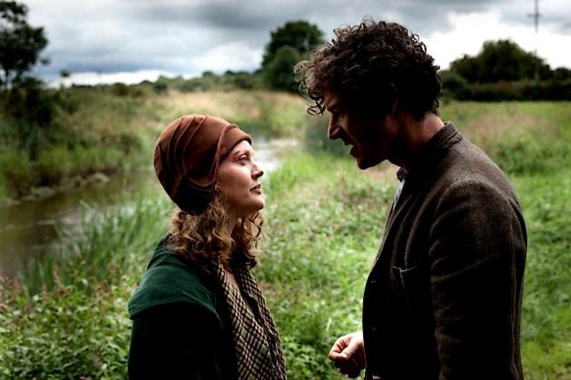 """Les relations humaines, celles de Jimmy Gralton avec sa mère ou encore son amour perdu et retrouvé, sont particulièrement convaincantes et justes dans leur interprétation, dans ce film tiré d'une """"histoire vraie"""". (DR)"""