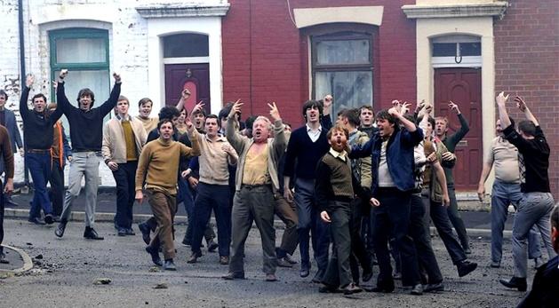 Un film qui met en lumière les luttes fratricides des diverses branches d'activistes au cœur même de la guerre civile entre Catholiques et Protestants. Il souligne également tous les travers de l'armée Britannique. (Photo : DR)