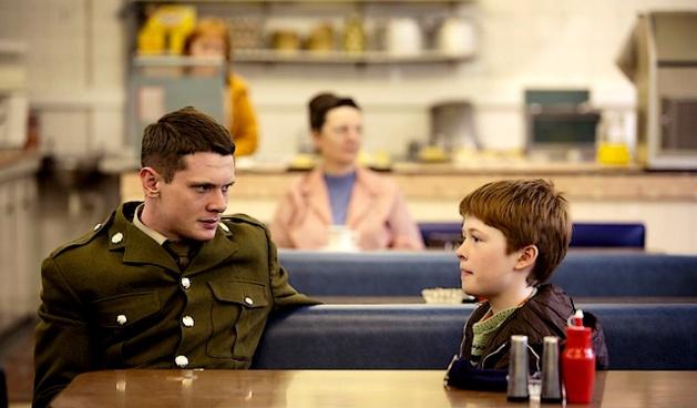 La distanciation employée par le réalisateur fait que l'on s'attache davantage à la peinture d'un fort moment de vie, qu'au personnage lui-même. Sauf pour la figure du jeune fils de Gary qui attend son retour à la maison. (DR)
