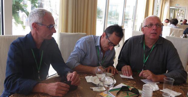 Saveriu Luciani, conseiller territorial de Femu a Corsica, entouré de Professori Filippo De Curtis et Giuseppe Lima, du Département Agriculture, environnement et aliments, de  l'Università degli Studi del Molise à Campobasso.