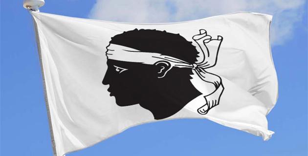 Una casa una bandera venneri chì vene