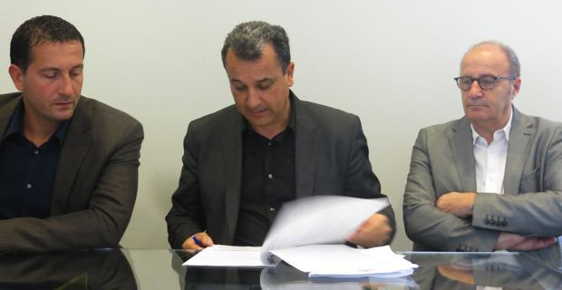 Louis Pozzo di Borgo, adjoint au maire de Furiani, président de la commision de la CAB en charge du logement social, François Tatti, président de la CAB, et Michel Rossi, maire de Ville-di-Pietrabugno et vice-président de la CAB.