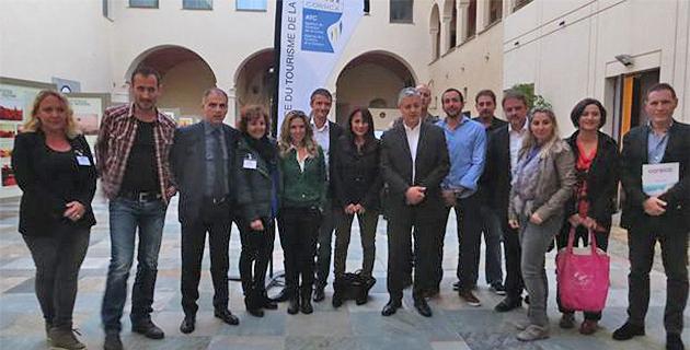 Les professionnels du tourisme autour de Didier Leonetti, directeur général de l'agence du tourisme de la Corse (ATC), au palais des gouverneurs à Bastia.