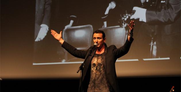 """Christophe Mondoloni chante Tino Rossi dans le """"Cabaret"""" de RCFM"""