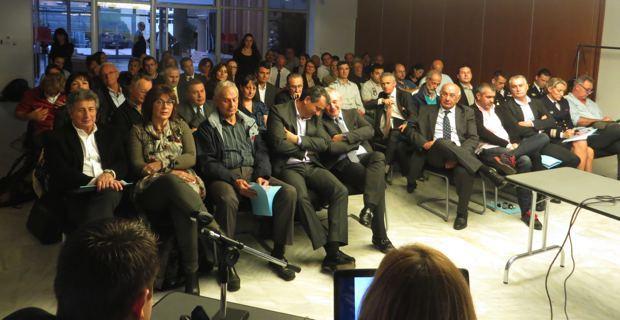 Le public composé des élus, des socioprofessionnels, des associations, des scientifiques et des services de l'Etat concernés.