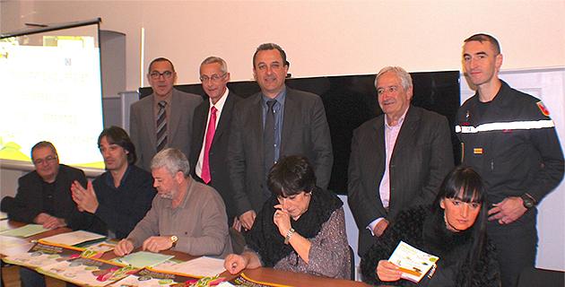 Jean-Pierre Giordani, Xavier Poli et François Tatti avec les représentants des producteurs de biodéchets