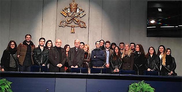 La délégation reçue par le directeur de Radio Vatican