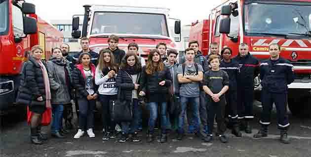 Les 3èmes DP6 à la rencontre des pompiers ile-roussiens