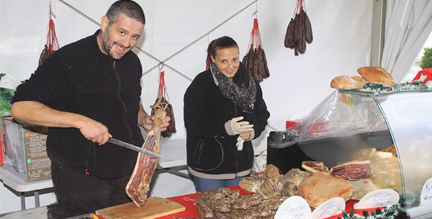 Un marché de Noël sous chapiteau à Calvi