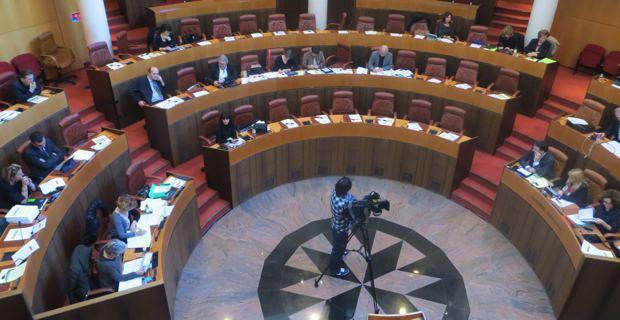 Le débat sur le budget ne fait pas recette.