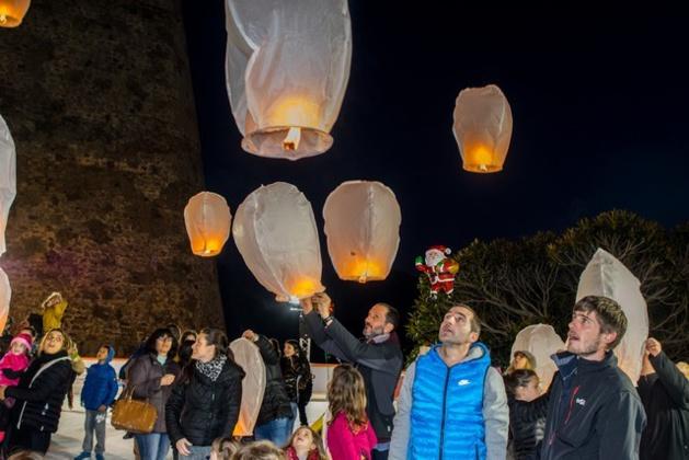 Lâcher de lanternes dans le ciel de Calvi