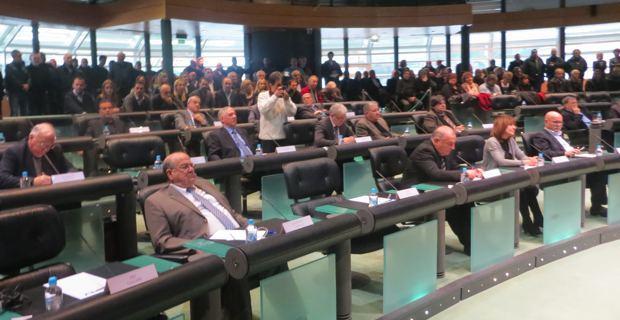 26 conseillers généraux présents sur 30 pour participer à l'élection de leur président.