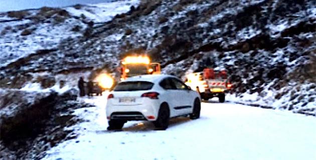Neige et verglas dans le Giussiani : 12 véhicules immobilisés et plusieurs personnes piégées