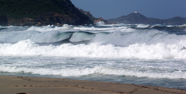 Vagues submersion : Alerte orange pour la Corse-du-Sud