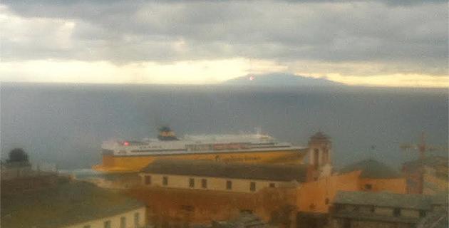 Bastia : Le bateau jaune était… bleu !