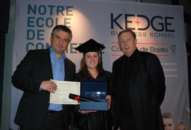 Jean-François Paoli, Président de la commission formation, Léa Duniaud major de promotion KEDGE Bachelor et le Président de la CCI Paul Trojani