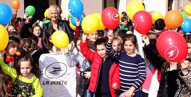 """19 kg de """"Pièces jaunes"""" collectées par La Poste à l'école élémentaire Pierre-Bariani de Calvi"""