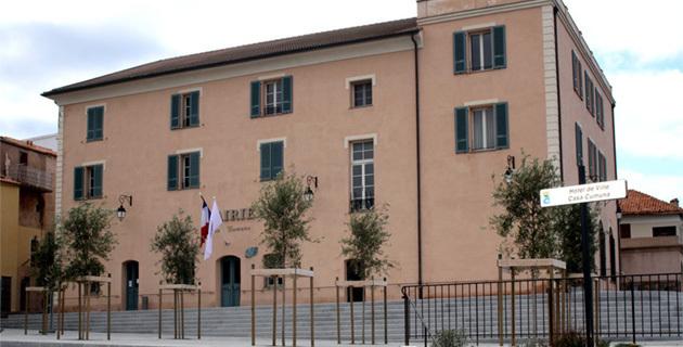L'Ile-Rousse : Ouverture du troisième bureau de vote pour les Départementales
