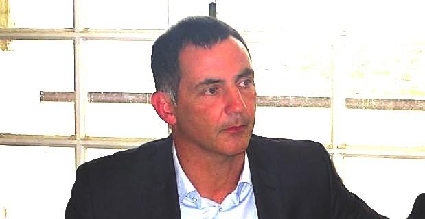 """Gilles Simeoni et les incendies de véhicules: """"Il appartient aux services de l'Etat de mettre fin à cette spirale !"""""""