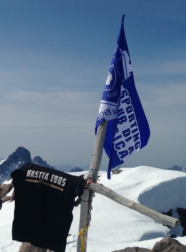"""""""Toute la Corse en bleu"""" : Jusque sur le Monte Cintu…"""