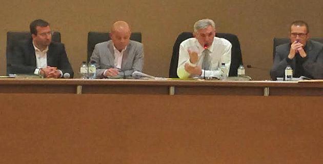 Capa : Le budget primitif  a été adopté mais  la baisse est significative
