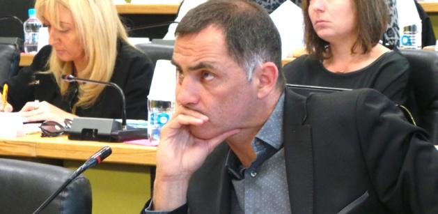 """Gilles Simeoni à l'opposition : """"La violence de vos propos masque mal l'indigence de vos propositions"""""""
