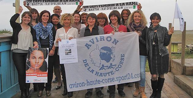 Dominique Nadaud, Déléguée aux Droits des Femmes et à l'Égalité en Haute-Corse (2ème à partir de la gauche) a a apporté un éclairage sur les violences conjugales dans le département et son soutien aux rameuses.