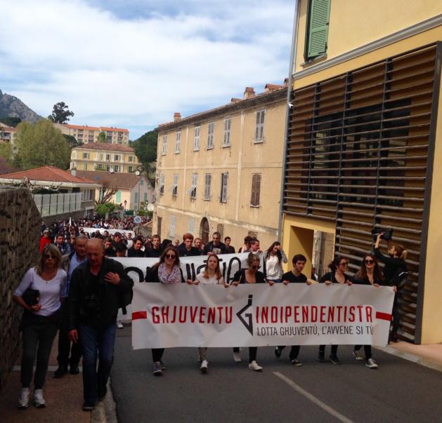 Corte : La manifestation de la Ghjuventù Indipendentista s'achève à la… Citadelle !