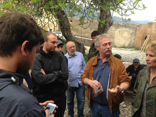 Ghjuventù Indipendentista : Henri Malosse, José Bové et les maires corses rendent visite aux grévistes de la faim