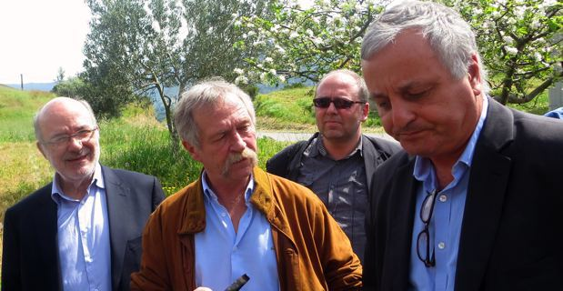 Josep-Maria Terricabras avec l'eurodéputé José Bové, le président de l'ALE, François Alfonsi, et le directeur général, Gunther Dauwen.