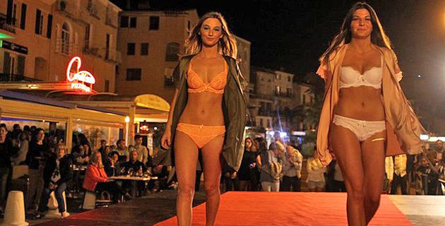 Tapis rouge pour le défilé de mode de l'union commerciale calvaise