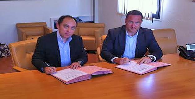 Jean-André Minconi, président de la CCI 2A, et Romain Ascione, directeur régional de Kyrnolia, ont signé une convention de partenariat