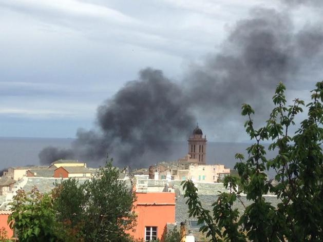 Bastia : Le feu dans le quartier de la Citadelle mais c'était du polystyrène qui brûlait