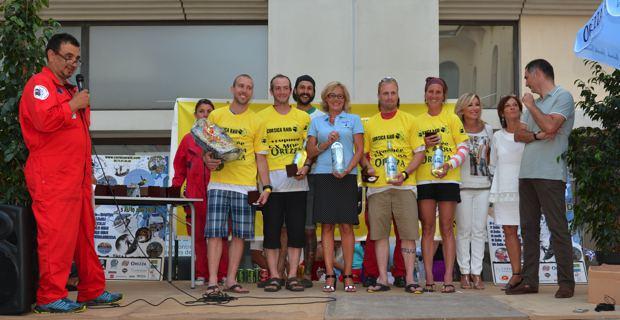 Les vainqueurs de l'étape 1 reçus au Palais des Gouverneurs par le maire de Bastia, Gilles Simeoni, et son équipe municipale. Photo Christophe Melchers.