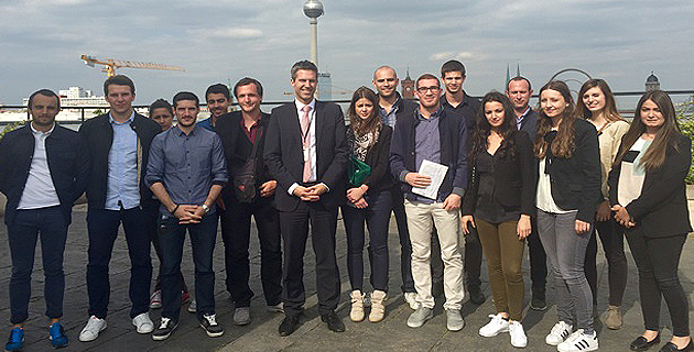 Les étudiants de l'IAE de Corte en compagnie de Rafael Daerr diplomate au ministère des Affaires Etrangères allemand