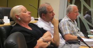 L'opposition : Juliette Dominici, Jean Zuccarelli et Francis Riolacci.