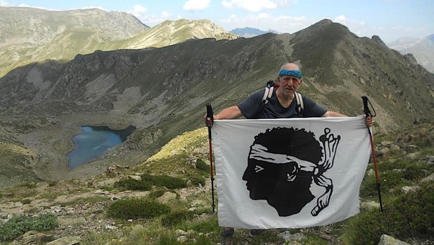 Jeannot Magni. Au second plan le lac Gros