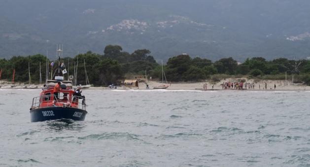 Une vedette s'échoue sur la plage de Sorbo-Ocagnano