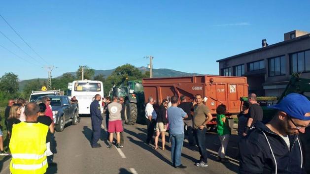 Le collectif contre les nuisances à Lucciana a manifesté jusqu'à l'aérogare de Poretta