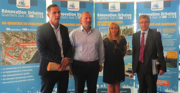 Gilles Simeoni, maire de Bastia, François Pupponi, président de l'ANRU, Emmanuelle de Gentili, 1ère adjointe en charge de l'urbanisme, et Alain Thirion, préfet de Haute-Corse au nouveau centre culturel Alb'Oru qui sera inauguré le 25 septembre.