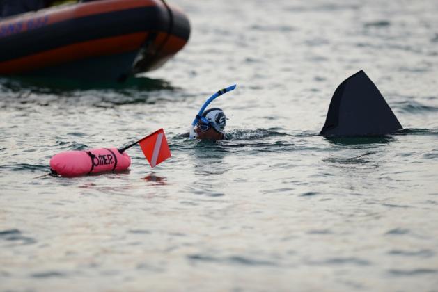Thierry Corbalan est parti pour son tour de Corse à la nage