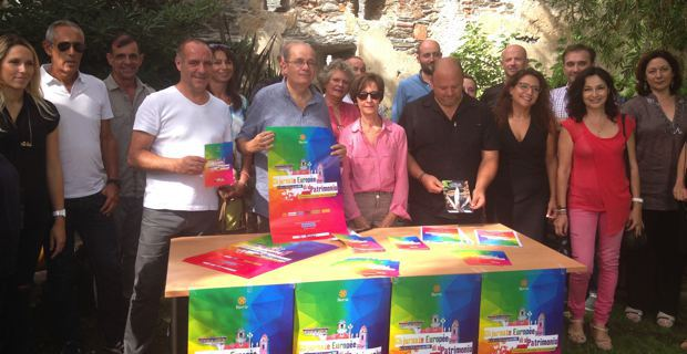 Philippe Peretti, l'adjoint délégué au patrimoine, et l'équipe municipale bastiaise présentent le programme des Journées du patrimoine dans les jardins suspendus du musée.