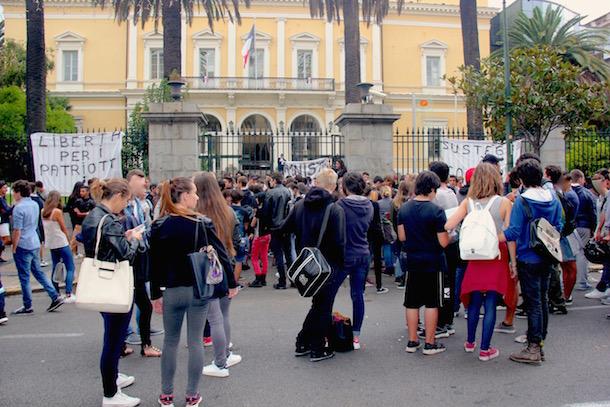 Ajaccio : Plus de 200 lycéens manifestent pour le rapprochement de Paul-André Contadini