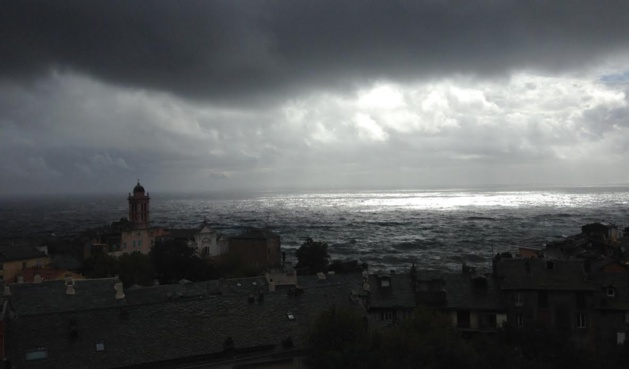 Bastia : orage sur la ville