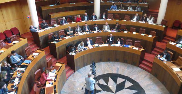 PADDUC : Des réactions politiques controversées