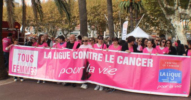 Cancer : Plus de 1 000 personnes ont marché avec les femmes en Haute-Corse