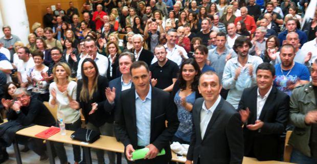 Gilles Simeoni et Jean Christophe Angelini entourés de leurs colistiers et des militants.