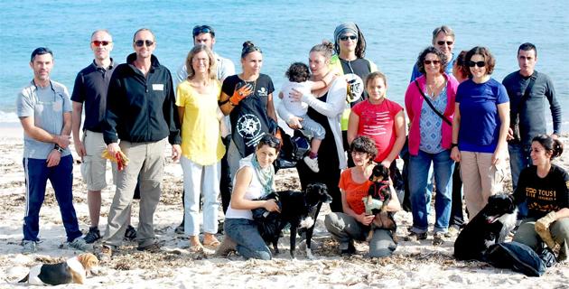 Opération de nettoyage et de protection de Corsica pulita et du Conservatoire des espaces naturels à Favona