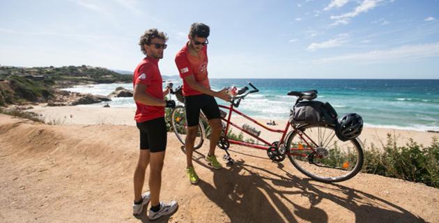 Le tour de la Corse à vélo pour soutenir les victimes du séisme au Népal