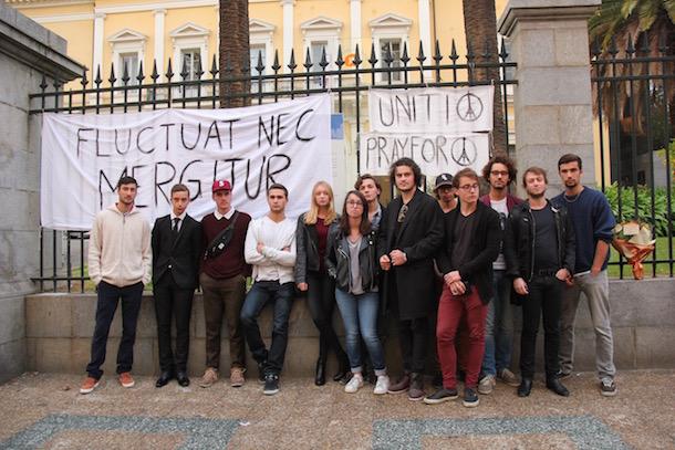Ajaccio : Des lycéens rendent hommage aux victimes des attentats de Paris
